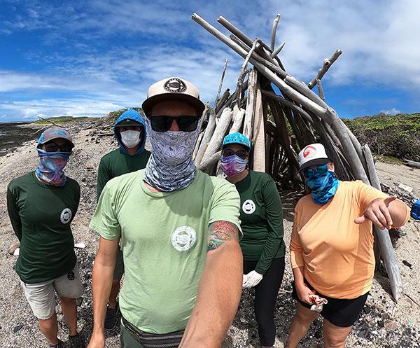 kamilo-masked-marine-debris-survey-photo-by-nvanderzyl-hawaii-wildlife-fund